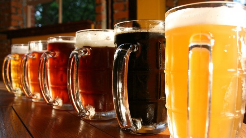 Немецкий тренер проиграл пари и задолжал фанатам 6000 бутылок пива