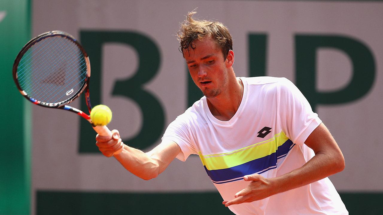 Ставки на матч Циципас – Медведев. Прогноз на теннис в Базеле 26 Октября 2018