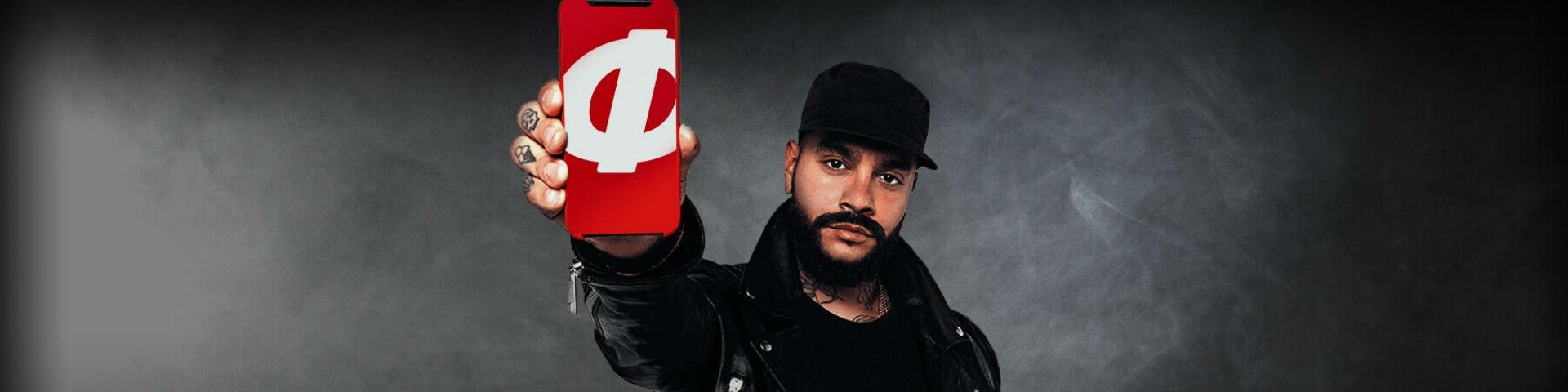 БК «Фонбет» оштрафовали за рекламный баннер с Тимати