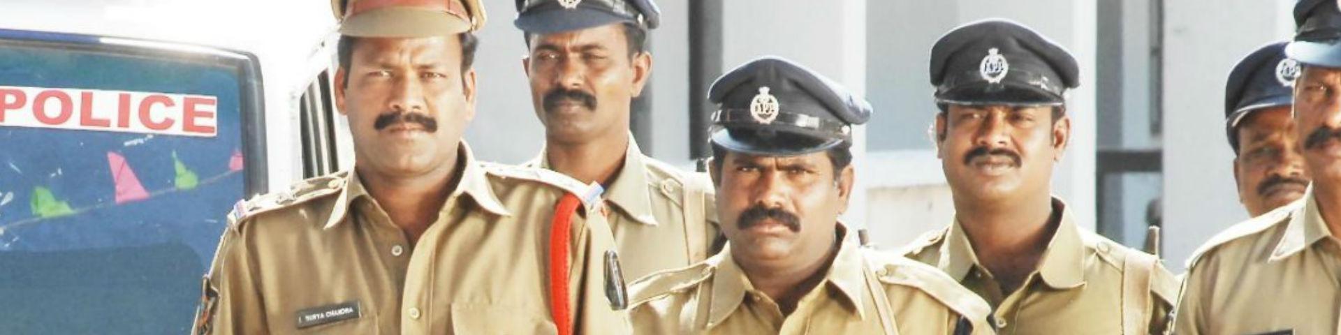 В Индии арестованы 22 сотрудника нелегального букмекера